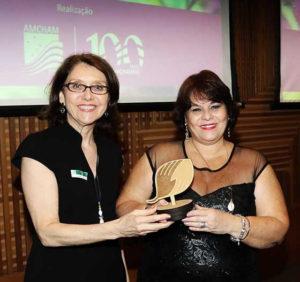 joyce-with-eco-award