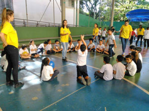 inmed-general-mills-volunteers-lead-recess-games